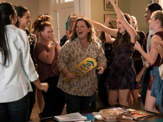 How to Party with Mom - Deanna (Melissa McCarthy) auf einer Party